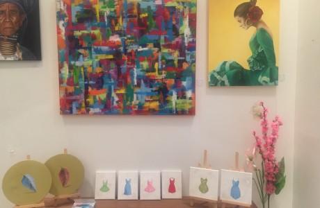 """ציורים שלי בגלריה יוניברסל """"מתחם התחנה"""""""